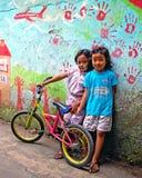Barn i Bandung, Indonesien Arkivfoton