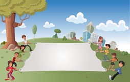Barn i grön park med en stor white bo Fotografering för Bildbyråer