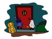 Barn i halloween kostymerar framme dörren Arkivbilder