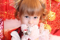barn i jul arkivfoto