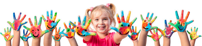 Barn i kreativitet - målade händer fotografering för bildbyråer