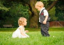 Barn i parken Royaltyfria Bilder