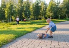 Barn i parkera Royaltyfri Bild