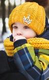 Barn i vintern Fotografering för Bildbyråer