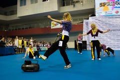 Barn konkurrerar i SpringCup den internationella danskonkurrensen Arkivfoton