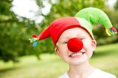 Barn med dräkten för karneval` s arkivfoton
