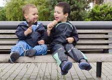 Barn med glass Royaltyfria Bilder