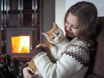 Barn med husdjuret Fotografering för Bildbyråer