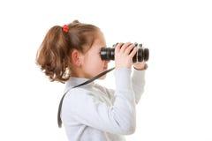 Barn med kikare Royaltyfria Bilder