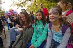 Barn med målade framsidor Royaltyfri Foto
