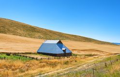 Barn near Dufur Oregon. A barn sits in the high desert agriculture country near Dufur Oregon Royalty Free Stock Image