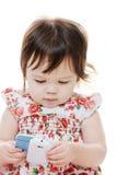 Barn och mobiltelefon Fotografering för Bildbyråer