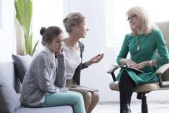 Barn- och tonåringmentala hälsor arkivfoton