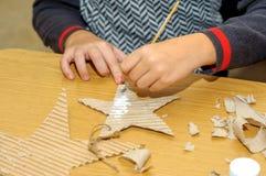 Barn på en kurs av konsterna Arkivfoto