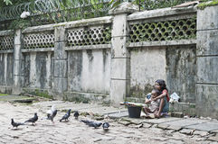 Barn på gatan av yangon myanmar arkivfoto