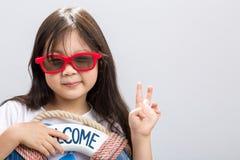 Barn på semesterbakgrund/barnsemesterbegrepp/begrepp Royaltyfria Bilder