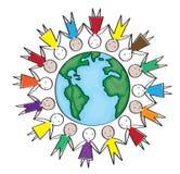 Barn runt om världen i den blåa cirkeln Arkivfoto