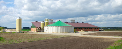 Barn with silos Royalty Free Stock Images