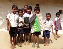 barn som att gå har mig, målade bildskolan till vattenfärger Royaltyfri Bild