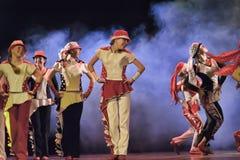 Barn som dansar på etapp Fotografering för Bildbyråer
