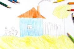 Barn som drar med färgpennor arkivbilder