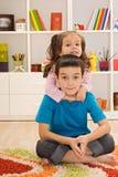 barn som leker två Fotografering för Bildbyråer