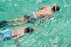 barn som snorkeling Fotografering för Bildbyråer
