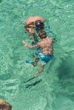 barn som snorkeling Arkivbilder