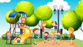 Barn som spelar i det offentligt, parkerar stock illustrationer