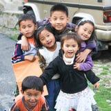 Barn som spelar i gator av Sikkim Royaltyfria Foton