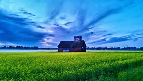 Barn and stormy sky Royalty Free Stock Photos
