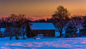 Barn at sunset during the winter, in rural York County, Pennsylv Royalty Free Stock Images