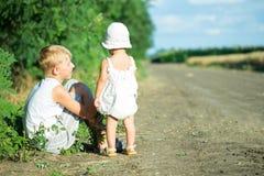 barn två Arkivfoton