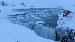 Barnafoss或Bjarnafoss,在Hraunfossar附近的瀑布 股票录像