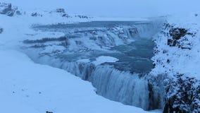 Barnafoss o Bjarnafoss, cascada cerca de Hraunfossar almacen de metraje de vídeo