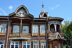 Barnaul Ryssland, Augusti, 17, 2016 Köpmanhus av Shadrins på den Krasnoarmeysky avenyn i Barnaul dekorativa element Royaltyfri Bild