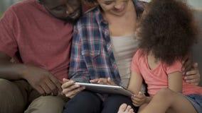 Barnbortgångprov för definition av kapaciteter på minnestavlan, tidig utveckling lager videofilmer
