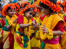 Barndansaktörer på vårfestivalen Royaltyfria Bilder