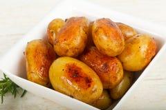 Barnet bakade potatisen royaltyfri foto