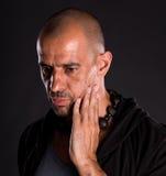 Barnet blir skallig den stiliga mannen Fotografering för Bildbyråer