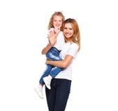 Barnet fostrar och hennes lilla dotter som isoleras på vit arkivbild