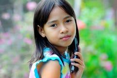 barnet poserar Royaltyfri Bild