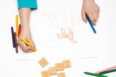 barnet tecknar blyertspennor Royaltyfria Bilder
