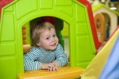barnfönster Fotografering för Bildbyråer