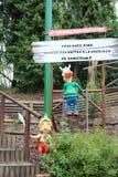 Barngaulsdockor från den Epidemais Croisiere dragningen på Park Asterix, Ile de France, Frankrike arkivfoton