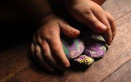 barnhänder s Fotografering för Bildbyråer