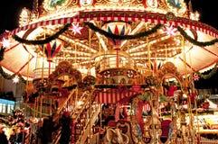 barnjulen går den glada rounden för marknaden Royaltyfri Fotografi