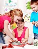 barnleragruppen gjuter lärare Arkivbilder