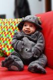 Barnmaskering för halloween Arkivfoto