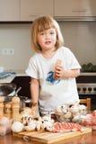Barnmatlagningtvål Royaltyfri Bild